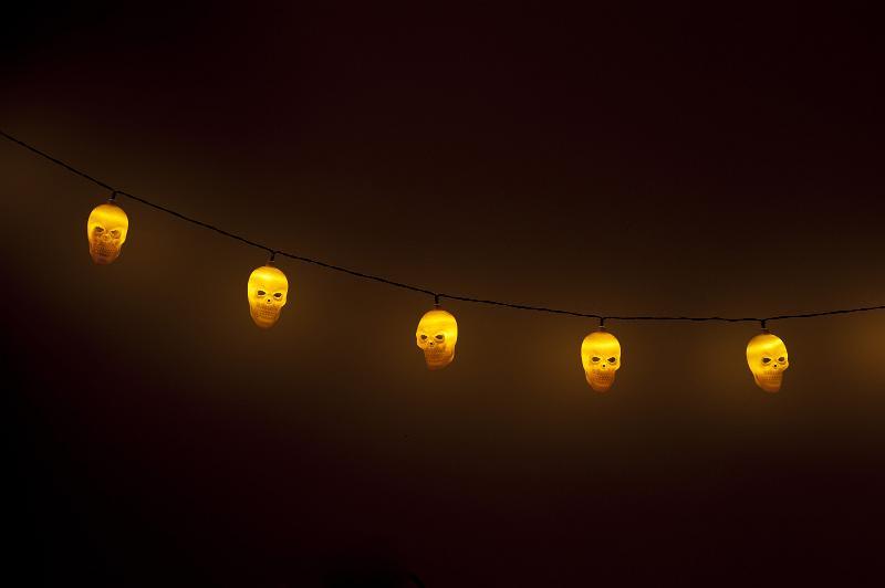 Halloween Wall Lights : Free image of String of Glowing Halloween Skull Lights
