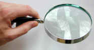 magnifierhand0011.jpg (449434 bytes)